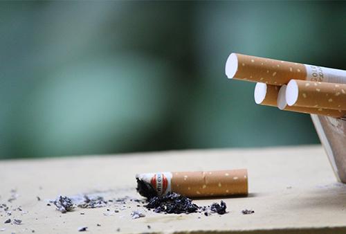 Corinne schoner vous accompagne pour arrêter de fumer gâce à l'hypnose.